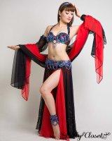 【Pharaonics】オーダーメイド  黒赤コントラストは女王の風格 カラフルなビジューが敷き詰められたブラとベルトで華やかに 黒と赤のベール2枚!