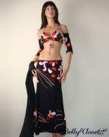 エジプト発★刺繍で魅せる 黒地にマットな装飾が印象的