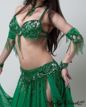 画像2: 【Bella】オーダーメイド ふんだんに施されたビーズフリンジが動きをさらに大きく華やかに♪きれいなグリーンに目が釘付け!